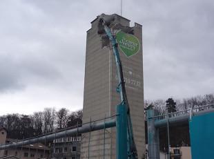 demolition_silo